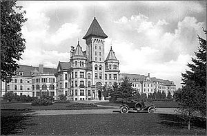 Horace Cleveland - The Fergus Falls State Hospital's exterior, circa 1915