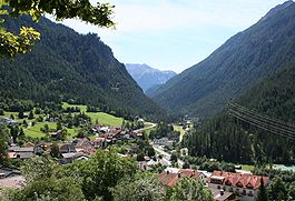 View of Filisur lookin southeast, upwards towards the Albula Pass