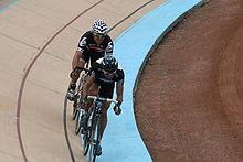La volata per il secondo posto alla Paris-Roubaix del 2010 in cui Thor Hushovd batte Juan Antonio Flecha e sale sul secondo gradino del podio.