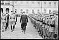 """Fo30141711140064 """"Reservebataljon Holmestrand paraderer for Quisling på Slottsplassen"""" 1942-06-14 (NTBs krigsarkiv, Riksarkivet).jpg"""