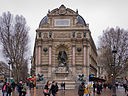 Fontaine Saint-Michel de Paris - 02.jpg