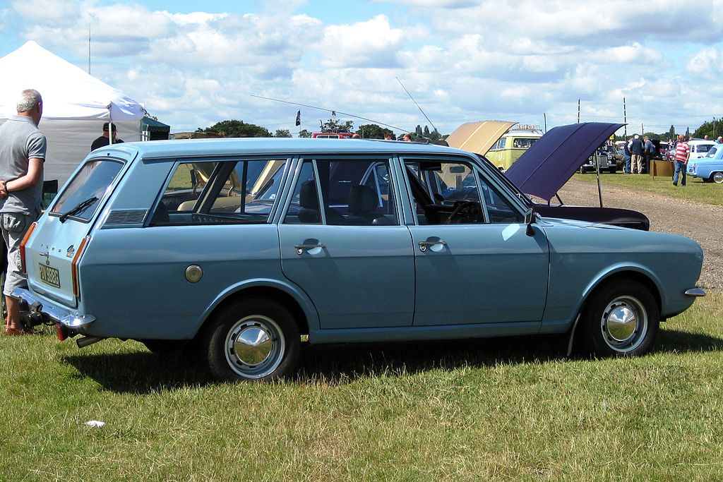 File:Ford Cortina Mark II estate 2994cc June 1969.JPG - Wikimedia ...