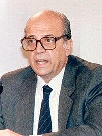 Francisco Fernández Ordóñez en la rueda de prensa posterior al Consejo de Ministros (15 de enero de 1988).jpg