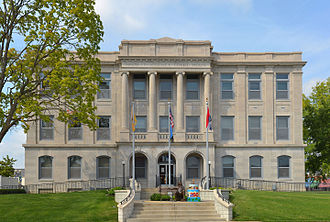 Franklin County, Missouri - Image: Franklin County MO Courthouse 20140920 pano 1
