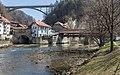 Fribourg - Brücken über Saane und Galtera.jpg