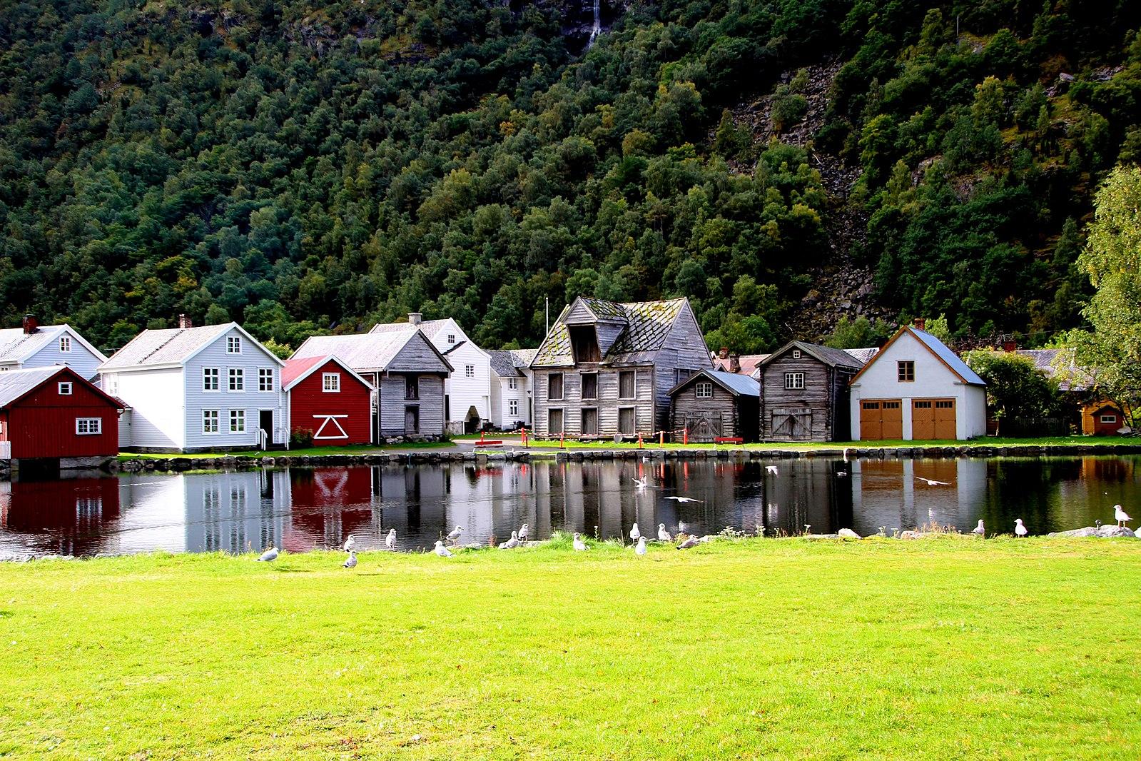 【北歐景點】Lærdalsøyri 世遺松恩峽灣萊達爾小鎮的仲夏風景 28
