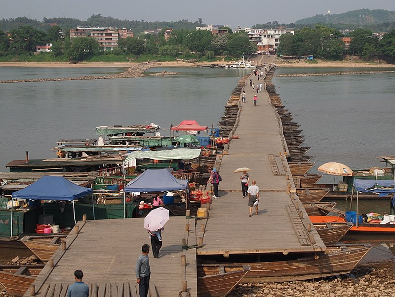 Ganzhou Pontoon Bridge.jpg