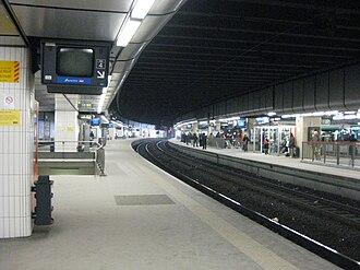La Défense station - Image: Gare SNCF La Défense