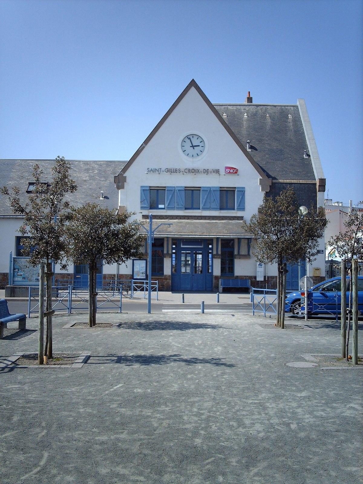 Station saint gilles croix de vie wikipedia for Monsieur bricolage saint gilles croix de vie
