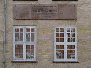 Garrison Hospital, Copenhagen - Image: Garnisons Sygehus plaque