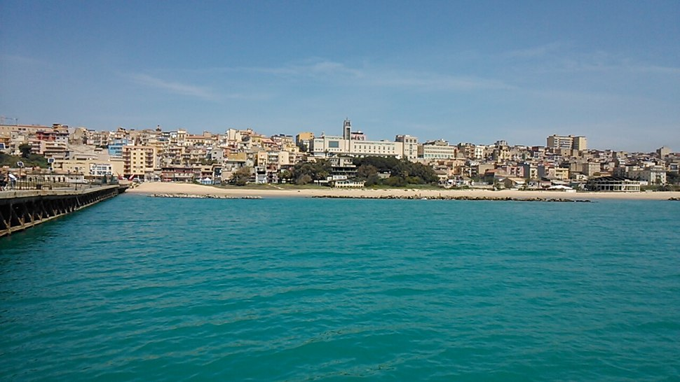 Gela town by the pier