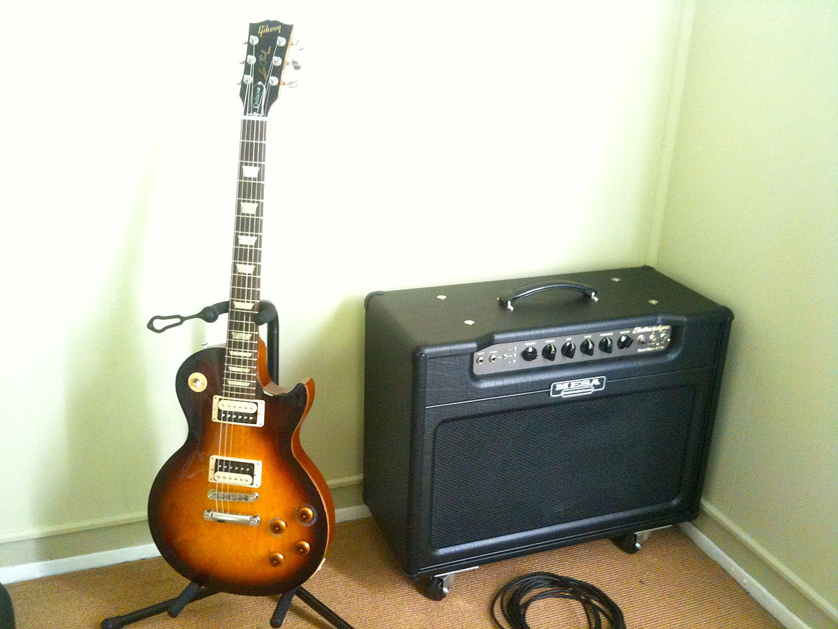 file gibson les paul studio deluxe mesa boogie electra dyne medium 1x12 wikimedia. Black Bedroom Furniture Sets. Home Design Ideas