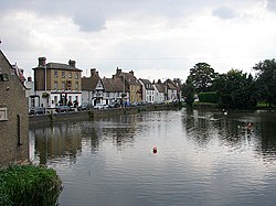 Godmanchester viewed across the River Great Ouse - geograph.org.uk - 1022249.jpg