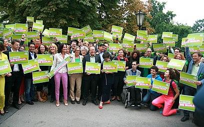 Grüne Österreich Wahlkampfauftakt Nationalratswahl 2013.jpg
