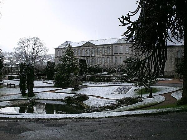Le parc du musée de la Sénatorerie.