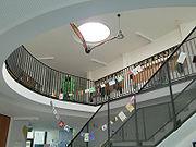 HHS Schule Darmstadt Foyer.jpg