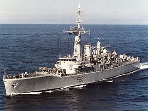 HMS Cleopatra (F28) underway in 1991.jpg