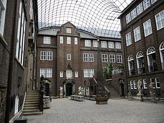 Hamburg Museum - Hamburg Museum's courtyard