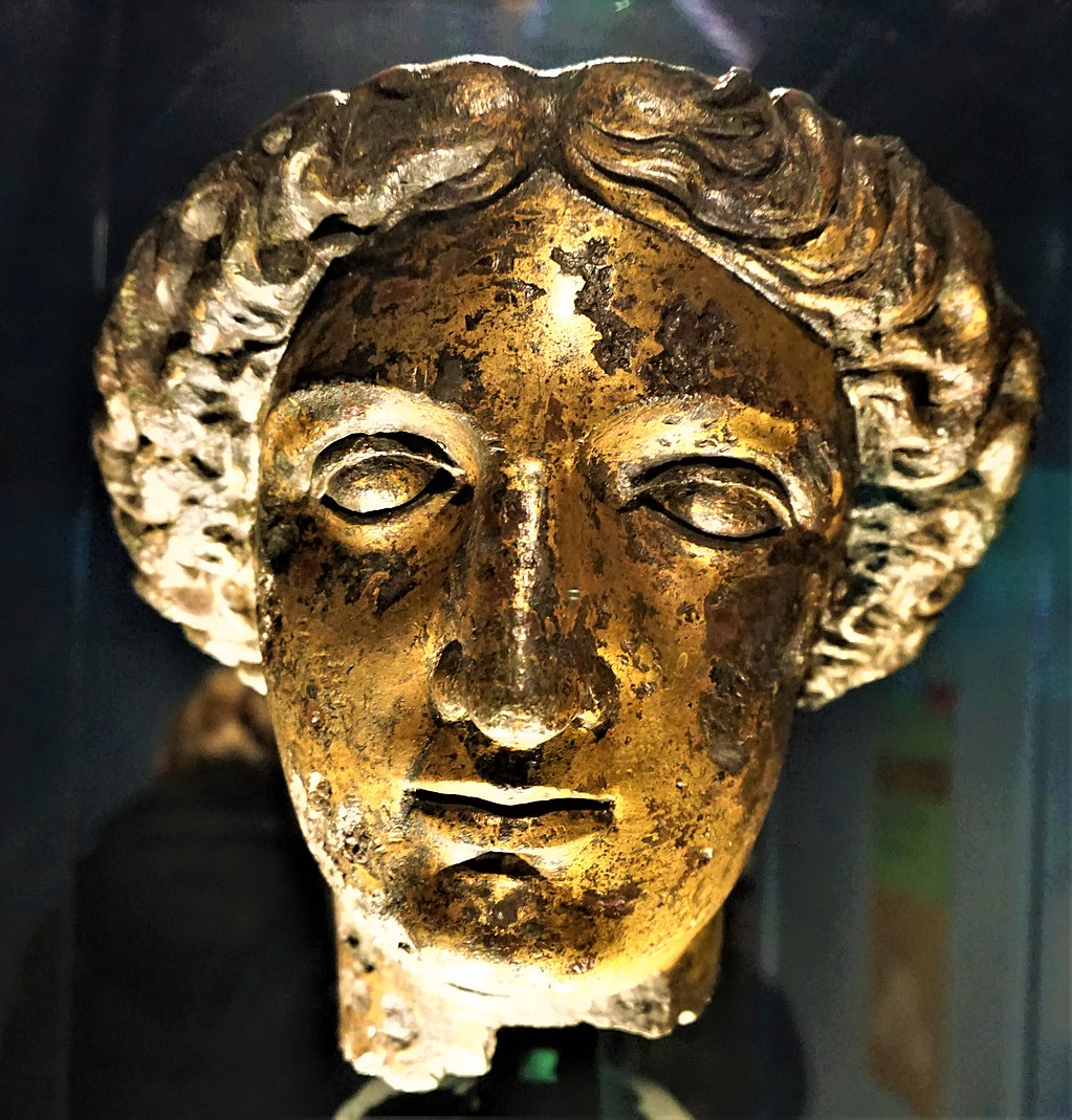 Head of the goddess Sulis Minerva - www.joyofmuseums.com - Roman Baths (Bath)