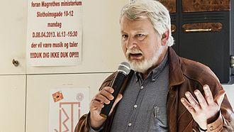 Henrik Stamer Hedin - Henrik talking during conference.