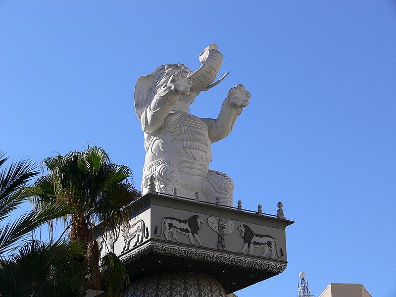File:Hollywood Kodak Theatre mall elephant.jpg