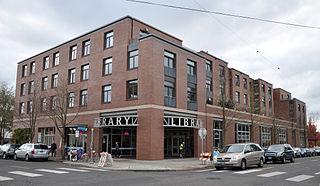 Hollywood Library building in Portland, Oregon