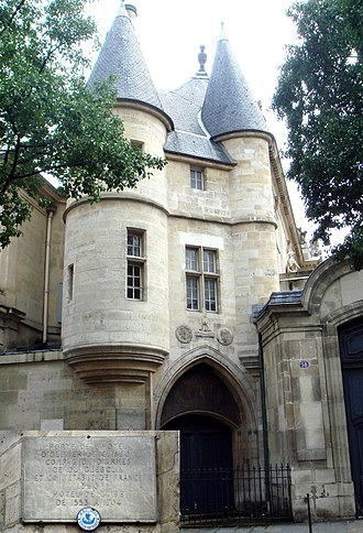Olivier de Clisson - Entrance gate of Clisson's residence, rue des Archives, Paris, with plaque.
