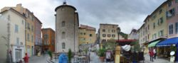Hyeres - panoramic view of the central plaza.jpg