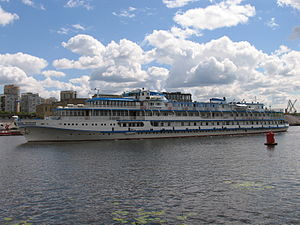 I.A. Krylov on Khimki Reservoir 23-jul-2012 05.JPG