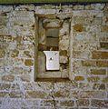 Interieur, verdieping, opkamer, ontpleisterde muur, detail- oud venster - Scheemda - 20341550 - RCE.jpg