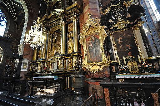 Interior of St. Mary's Basilica (9159179182)