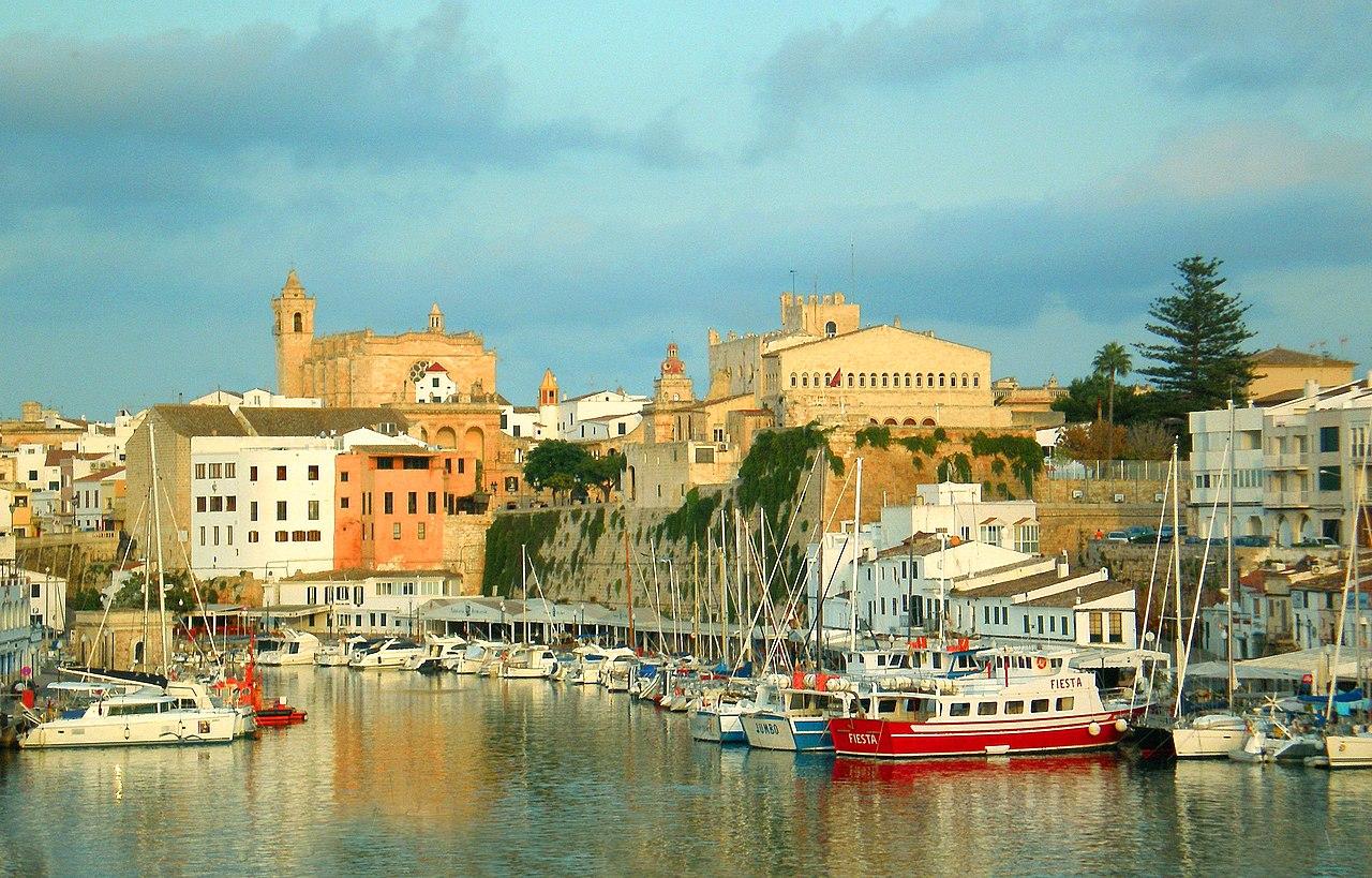 Puerto de Ciudadela, Ayuntamiento y Catedral, Ciudadela, Menorca