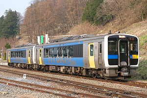 Koumi Line - Image: JRE Kiha E200 1 Yachiho 2