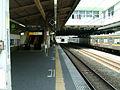 JREast-Nambu-line-Fuchu-hommachi-station-platform-4.jpg