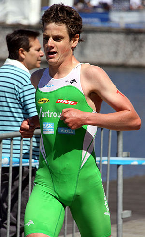English: Jonathan Brownlee winning the Triathl...