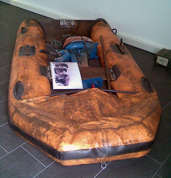 file k hlungsborn ostseewachturm ausstellung fluchtboot wikipedia. Black Bedroom Furniture Sets. Home Design Ideas