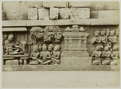 KITLV 28008 - Kassian Céphas - Relief of the hidden base of Borobudur - 1890-1891.tif