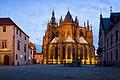 Katedrála, závěr s věncem kaplí (Matyáš z Arrasu).jpg