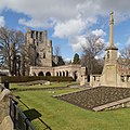 Kelso War Memorial view from SW, with Abbey in background.jpg