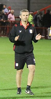 Kenny Lunt English footballer and coach