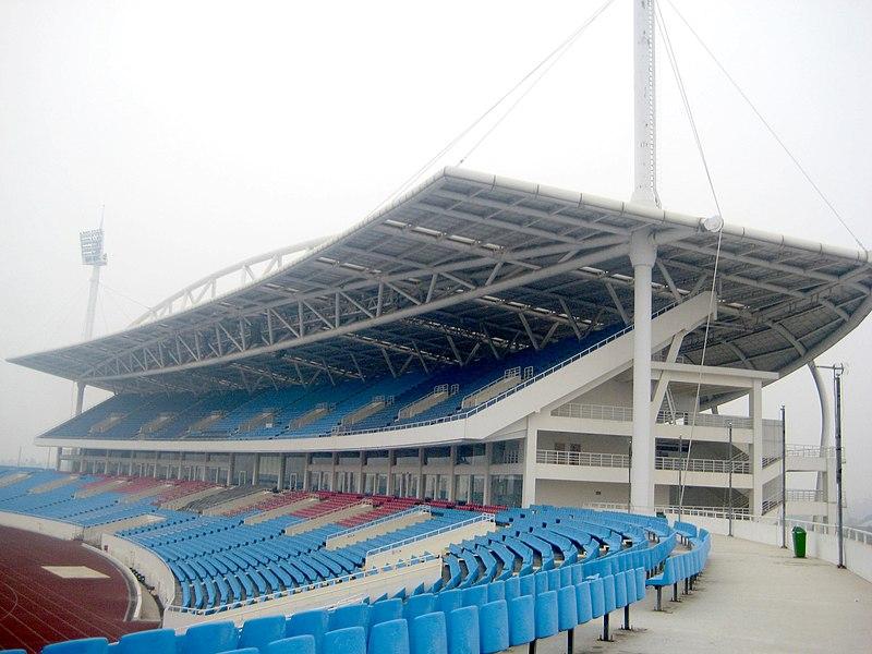 cùng điểm qua một số sân vận động của Việt Nam nha