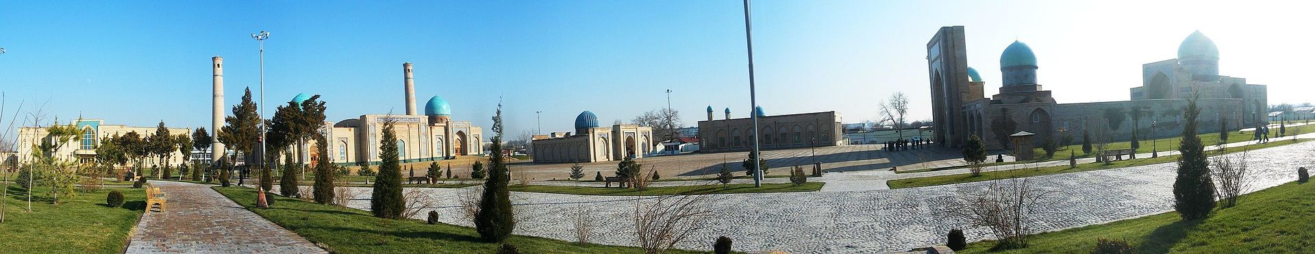 1920px-Khazrat_Imam_panorama.jpg