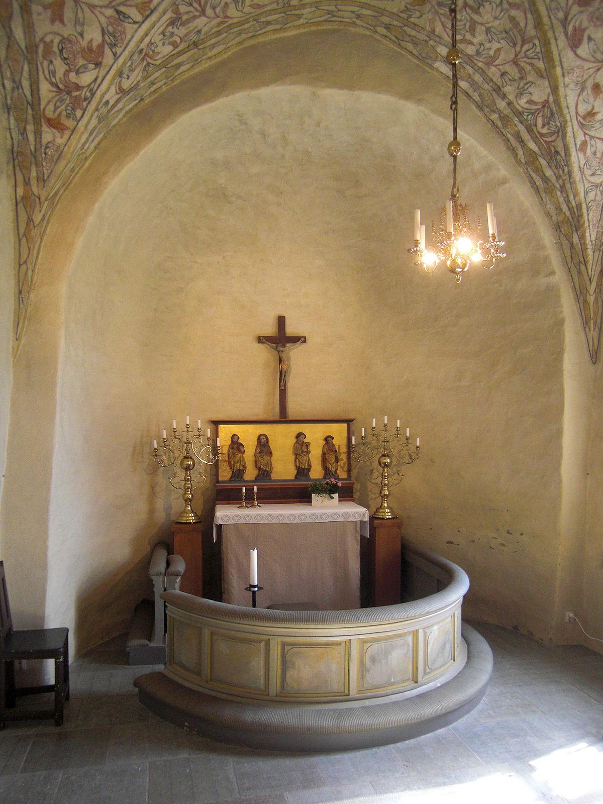 Underskning av medeltida runristningar i Kinneveds kyrka