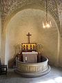 Kinneveds kyrka Absid altare 2010-04-22.jpg