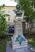 Klagenfurt_Innere_Stadt_Ursulinengasse_Enzenbergdenkmal_01092011_101.jpg