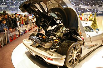 Koenigsegg CCX - The engine of a Koenigsegg CCX at the 2006 Geneva Motor Show
