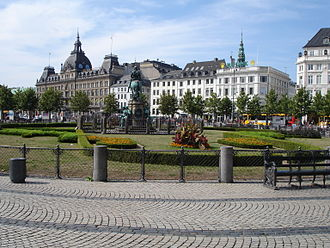 Kongens Nytorv - Kongens Nytorv in 2006. The square has since been rebuilt. Works are ongoing as of 2017.