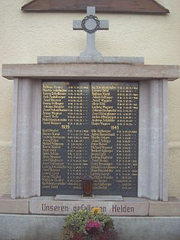 A memorial to soldiers who died in the two world wars. Dietelskirchen, Bavaria. Kriegerdenkmal Dietelskirchen.jpg