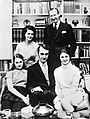 Kurt Waldheim with family 1971.jpg