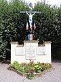 La Neuville-en-Beine (Aisne) monument aux morts avec croix.JPG
